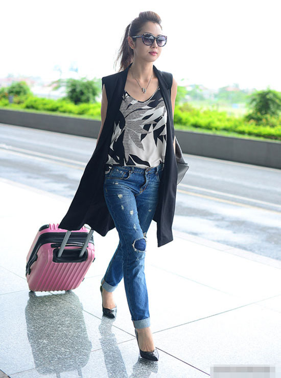 meo-mix-quan-jeans-tre-trung-nang-dong-nhu-sao-viet-5