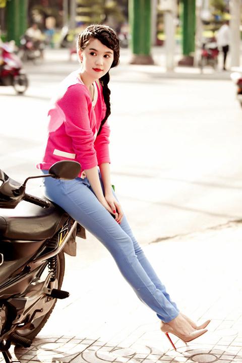 meo-mix-quan-jeans-tre-trung-nang-dong-nhu-sao-viet-6