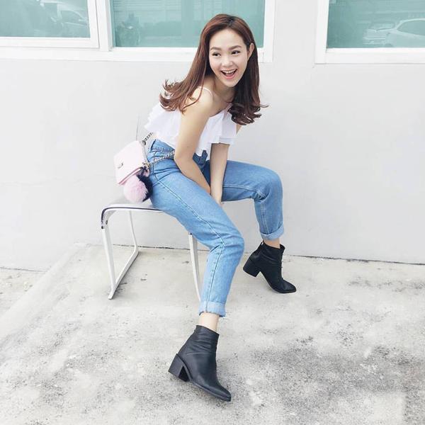 meo-mix-quan-jeans-tre-trung-nang-dong-nhu-sao-viet