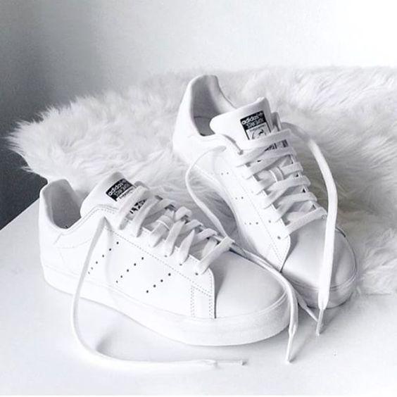 sneaker-trang-se-khong-bao-gio-la-mon-do-loi-mot-1