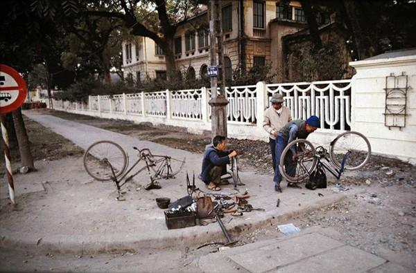 boi-hoi-khi-nhin-nhung-buc-anh-mau-ha-noi-nhung-nam-1970-3