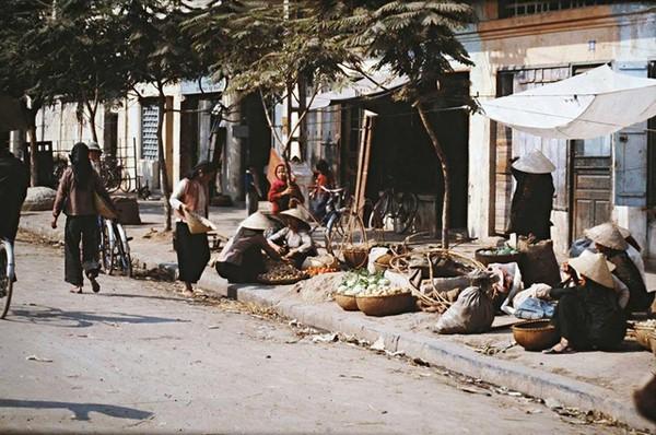 boi-hoi-khi-nhin-nhung-buc-anh-mau-ha-noi-nhung-nam-1970-9