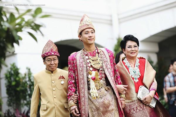 dam-cuoi-dat-vang-cua-tai-tu-dien-trai-nhat-indonesia-1