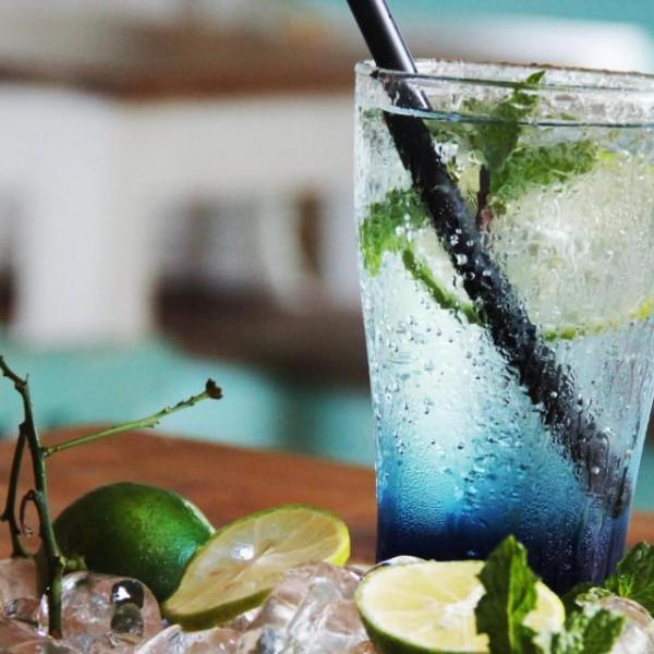 cach-lam-soda-y-bien-xanh-cho-ngay-mat-lanh-1