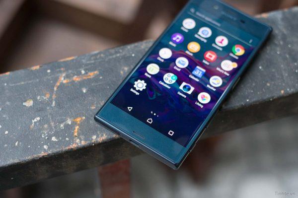 Màn hình Sony Xperia XZ